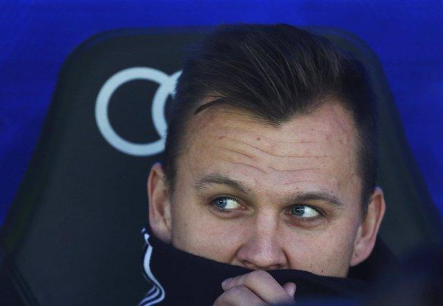 Denis Cheryshev en el banquillo del Santiago Bernabéu