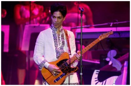 Vídeo: Prince versionando 'Creep' de Radiohead