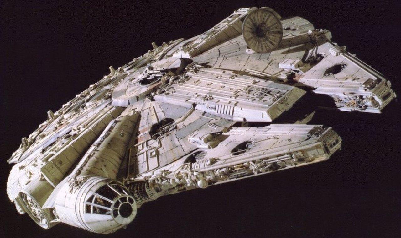 Star wars 7 7 cosas que quiz no sab as de el halc n for Interior halcon milenario