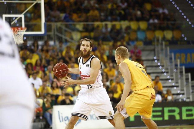 Sergio Rodríguez jugando contra el Gran Canaria.