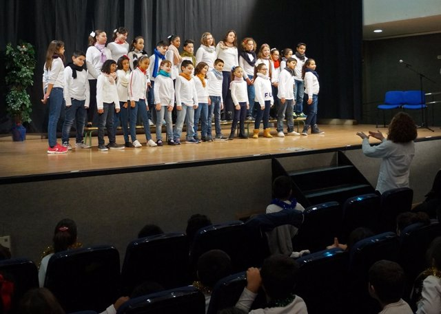 NOTA DE PRENSA Mas De 200 Escolares Participan En El Tradicional Festival De Vil