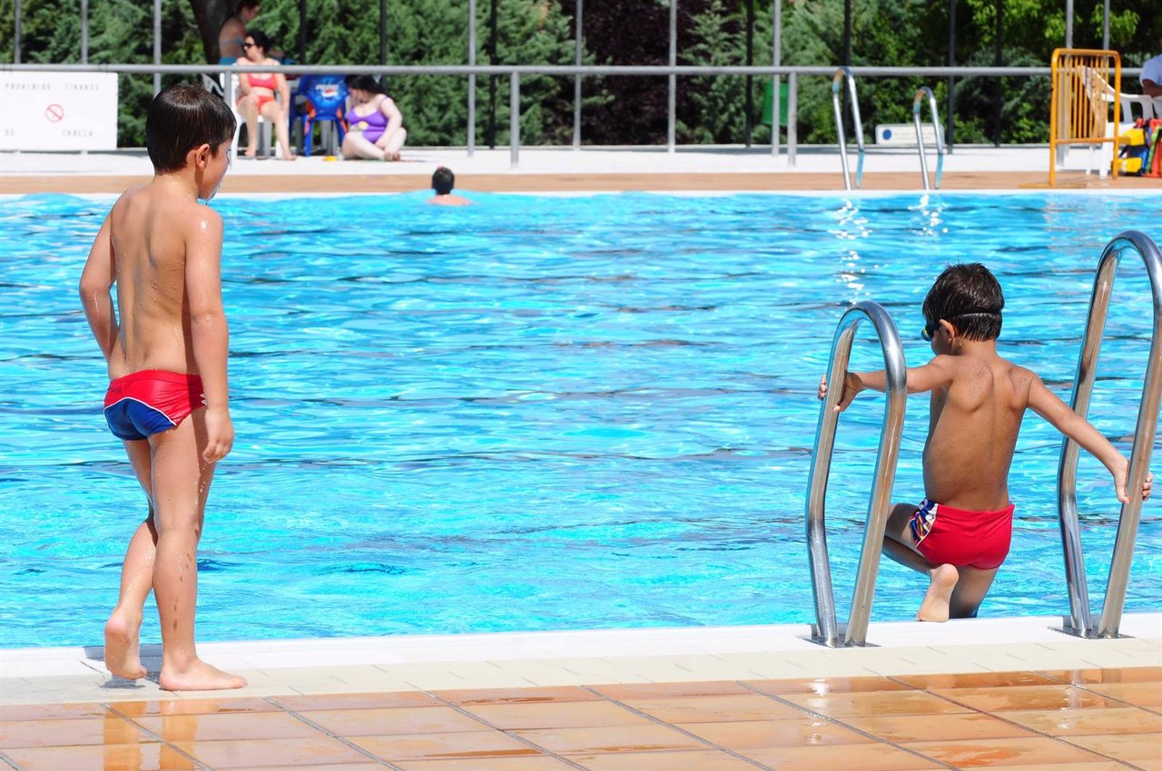 El precio de las piscinas de verano bajar un 26 for Precio piscina municipal madrid 2017