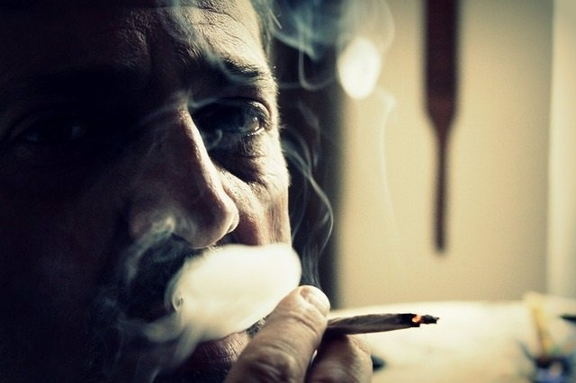 Fumar, hombre, porro