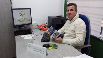 La asociación ASENBAR recibe el premio 'Bakken Invitation 2015' por su labor solidaria