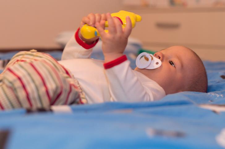 Qué hacer si mi bebé se ha tragado algo