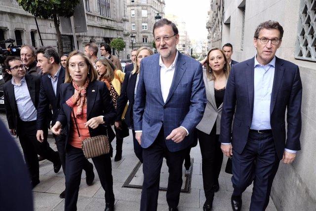 Feijóo, Rajoy e Ana Pastor pasean por Vigo