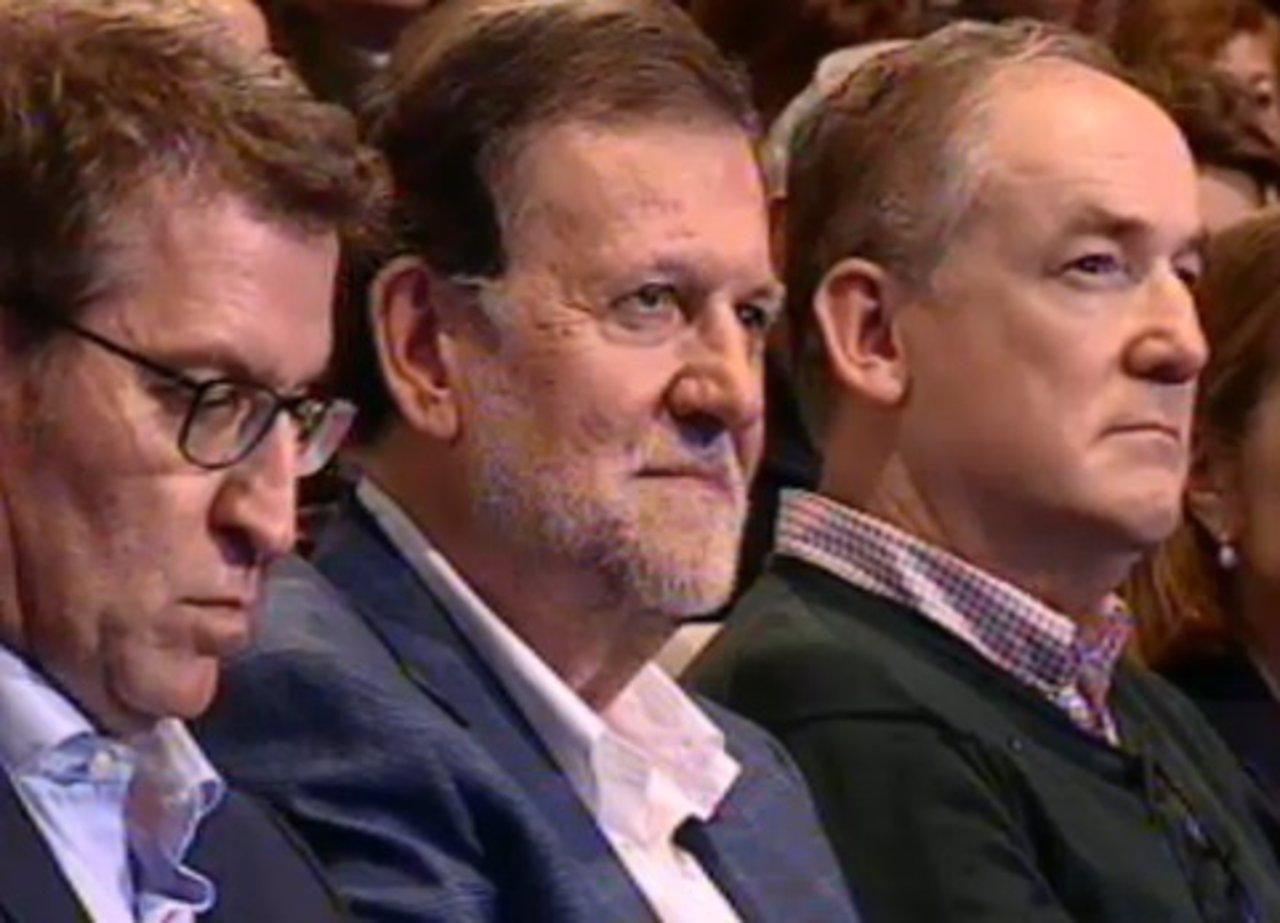 Rajoy en un mitin tras recibir una agresión