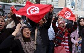 La revolución tunecina cumple cinco años con el reto de afianzar su éxito