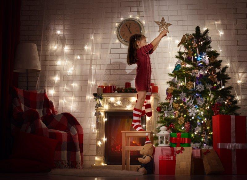 El rbol de navidad y su historia para contar a los ni os for Cuando se pone el arbol de navidad