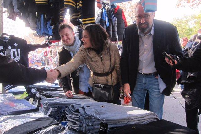 Inés Arrimadas y Juan Carlos Girauta visitan un mercadillo en Santa Coloma