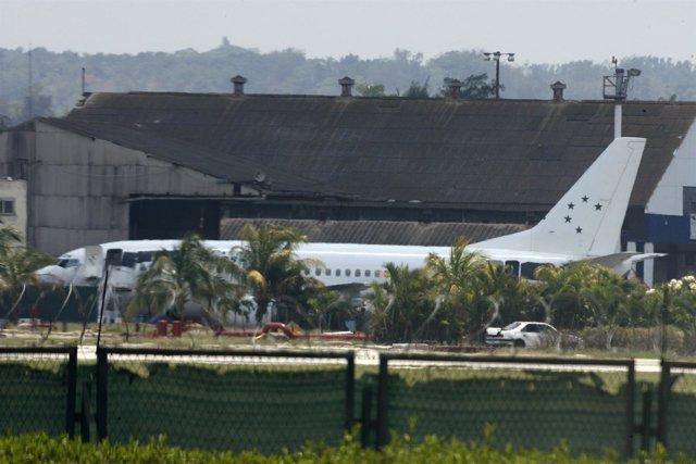 Avión en La Habana