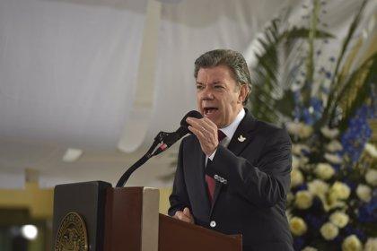 """Santos dice que los guerrilleros deben """"buscar ideales políticos por las vías legales"""""""