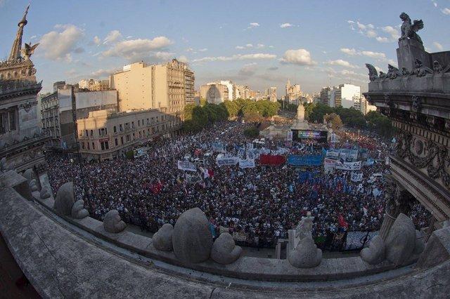 Kirchnerismo se manifiesta contra Macri