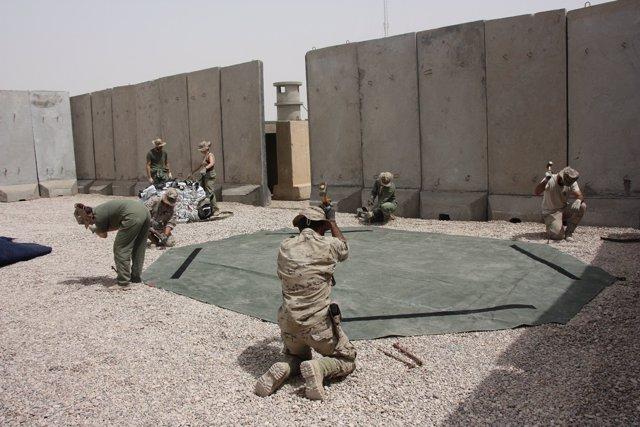 Militares españoles en la base de Irak
