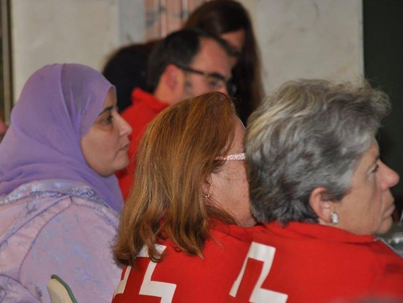 Mujeres atendidas cruz roja vulnerables vulnerabilidad