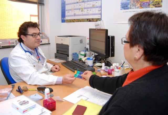 Médico, paciente, sanidad, receta, SESCAM, consulta médica