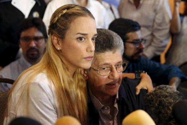 Lilian Tintori y Henry Ramos Allup partido AD opositor Venezuela