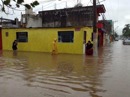 Gobierno de Paraguay se compromete a dar una solución a damnificados por las inundaciones