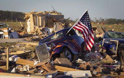 Al menos tres muertos por las fuertes lluvias y el paso de un tornado en Misisipi