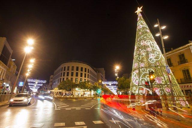 Almería se viste de luz y color para vivir la Navidad.