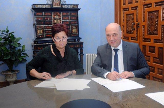 Convenio entre Diputación de Córdoba y Organización Feminista de Subbética