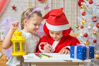 Estas listas de regalos de niños por Navidad te harán reír