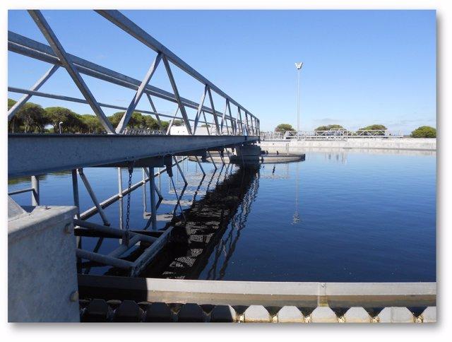 Planta depuradora gestionada por Aguas de Valencia