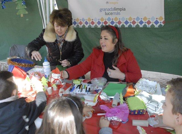 La concejal de Medio Ambiente junto a algunos de los niños participantes.