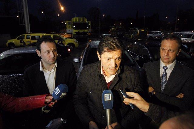 Javier Fernández, en el centro