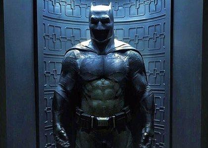 Batman v Superman: Reveladoras imágenes de la Batcueva de Ben Affleck