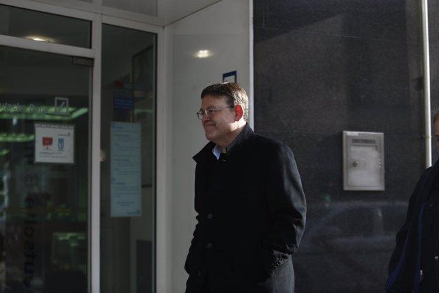 Ximo Puig a su llegada al Comité Federal del PSOE