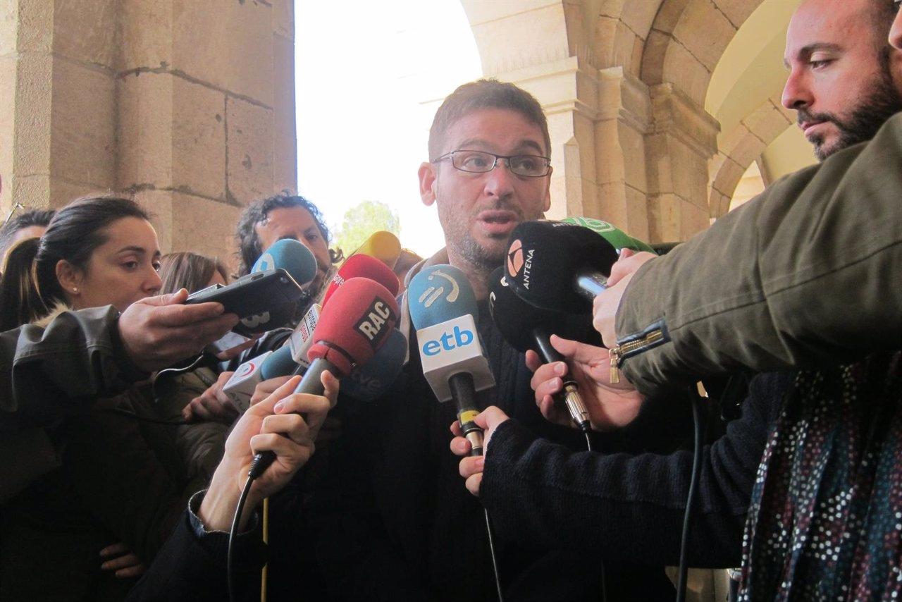 Albano Dante Fachín (Podemos)