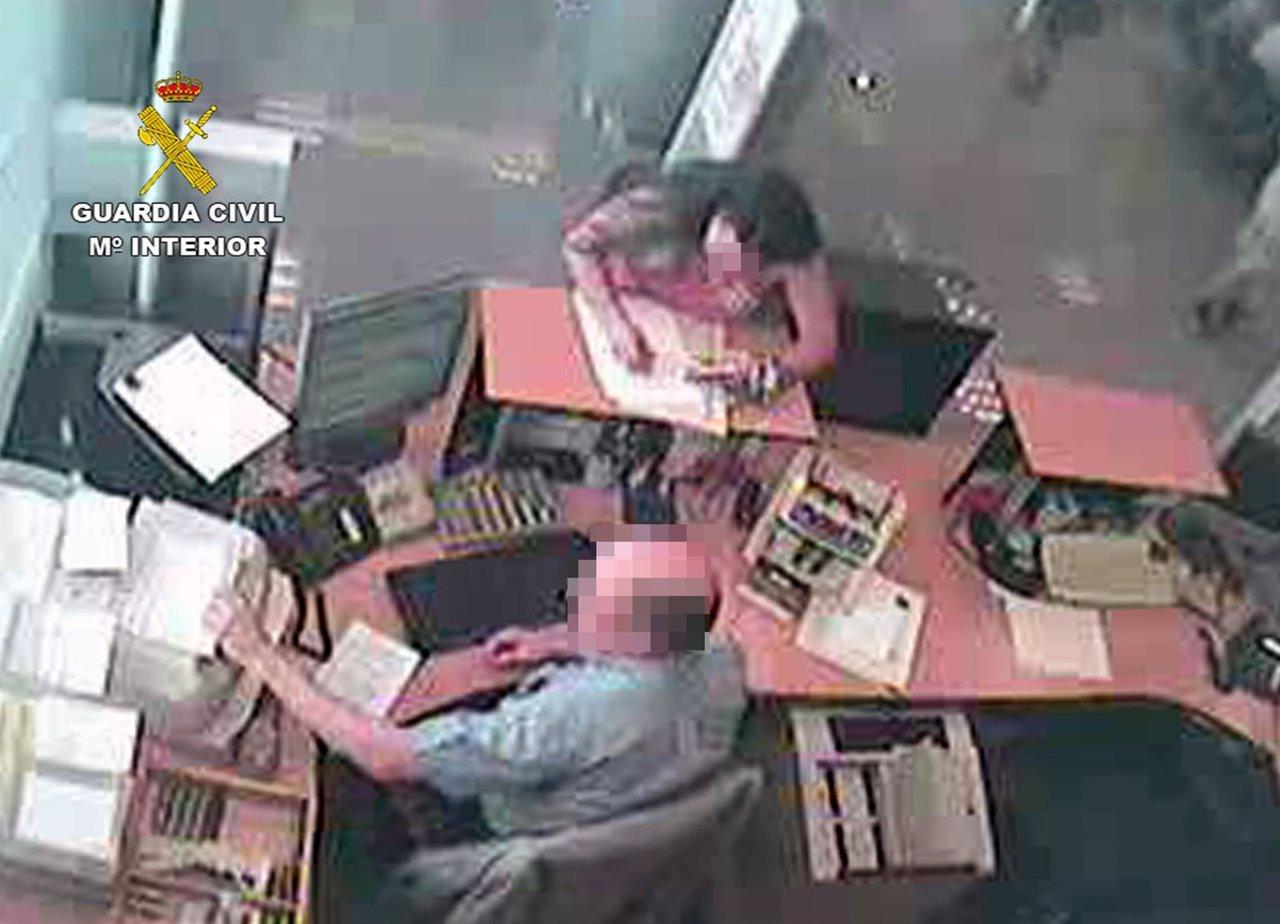 La Guardia Civil detiene de nuevo a una mujer dedicada a cometer estafas