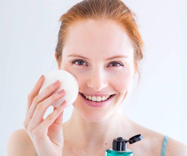 Agua micelar, cuidado de la piel