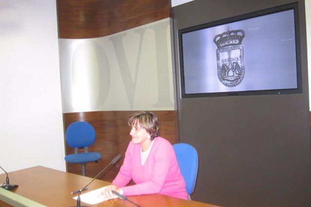 La concejala Ana Rivas, durante la rueda de prensa.