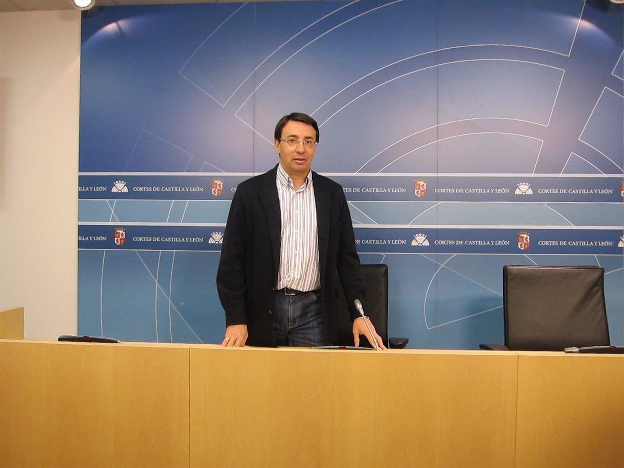 Fernando Pablos, portavoz de Universidades del PSOE en las Cortes