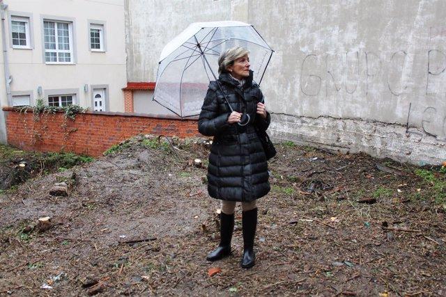 La concejala de Urbanismo, Ana Franco, durante la visita al solar