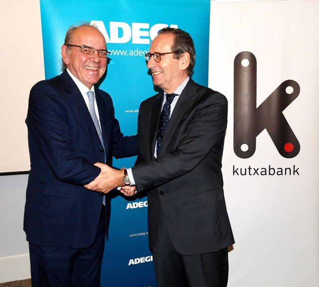 Los presidentes de Adegi y Kutxabank.