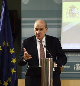 Jorge Fernández Díaz en el balance de Tráfico