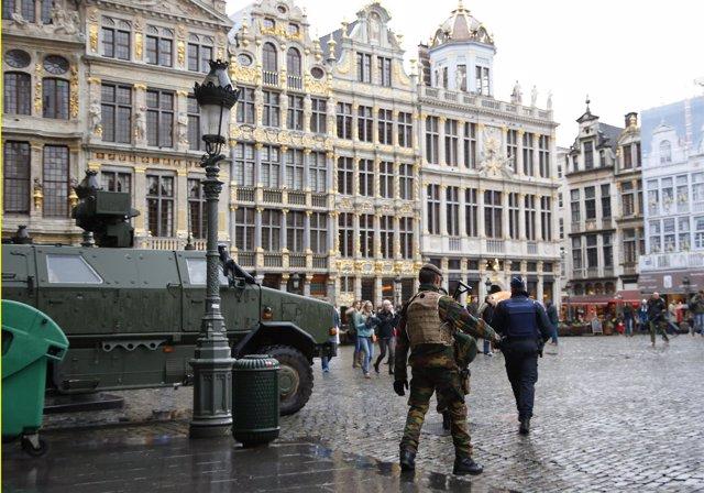 Seguridad reforzada en la Grand Place de Bruselas