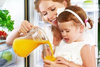 Proponen reducir en un 40% el azúcar en los refrescos para frenar la obesidad