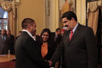 """Ministro de Economía pide dejar de lado el """"catastrofismo"""" para superar crisis en Venezuela"""