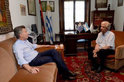 Macri y Vázquez presentarán a Argentina y Uruguay como sede conjunta para el Mundial 2030