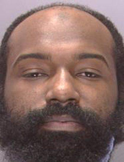"""Un hombre ataca a un agente de Policía en Filadelfia """"en nombre del islam"""""""