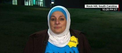 Una mujer musulmana es expulsada de un mítin de Trump por protestar en silencio contra la islamofobia