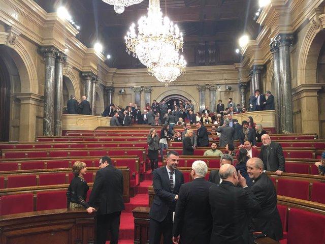 """Puigdemont agradece el gesto de Mas: """"Tenías todo el derecho a presidir el país"""""""