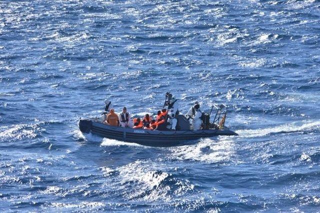 Inmigrantes rescatados por la fragata 'Canarias' frente a las costas de Libia