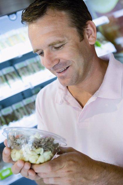 Mas del 25% los españoles no se fija en la información nutricional del etiquetado