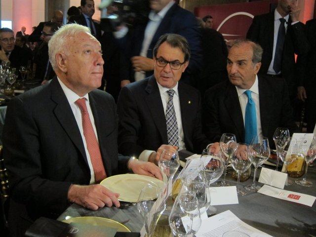 J.M.García Margallo, el pte  A.Mas y pte. De Foment de Trabajo J.Gay de Montellà