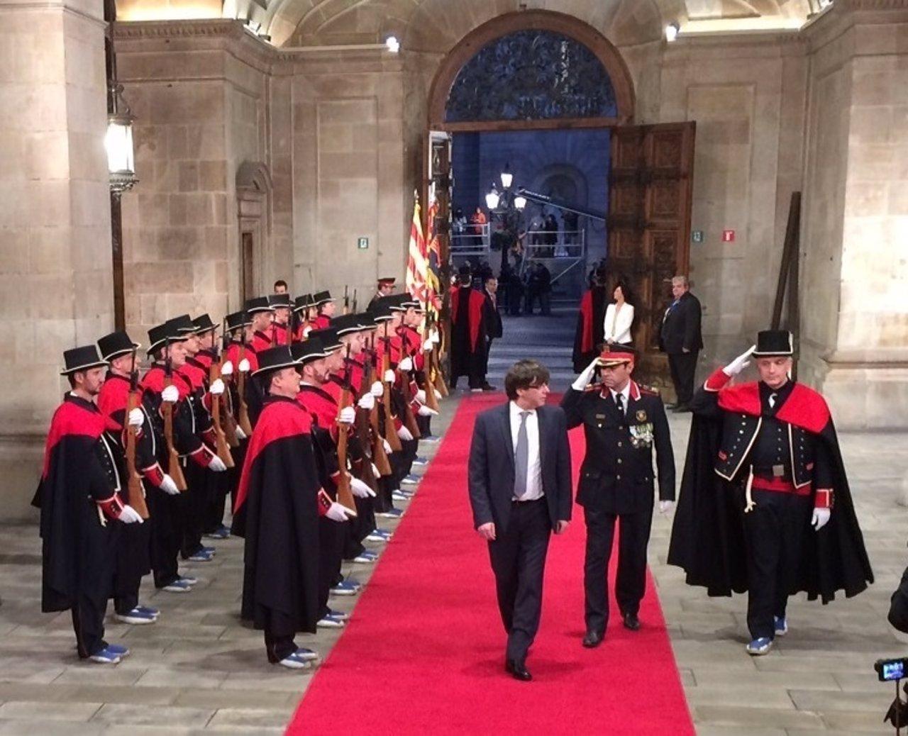 El presidente de la Generalitat, Carles Puigdemont, en su toma de posesión
